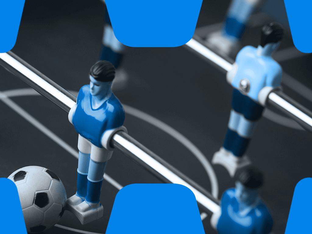 Tischkicker mit Fußball